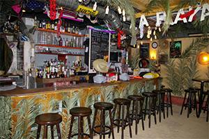 Bar N'importe quoi à Paris