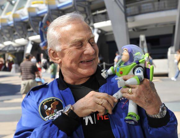 Buzz Aldrin et Buzz l'éclair